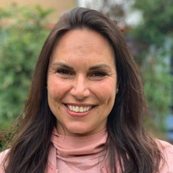 Clare Satha iYoga Glasgow Teacher