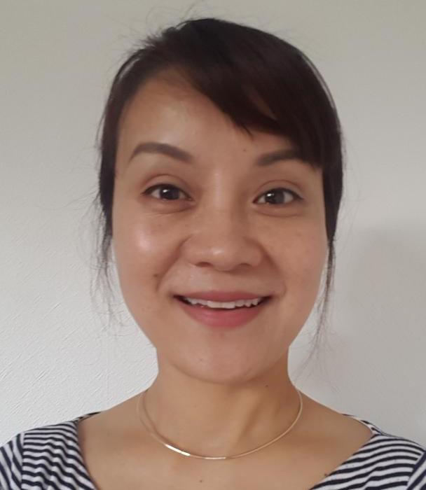 Yinqiu (Lily) Munro - Teacher iYoga Glasgow